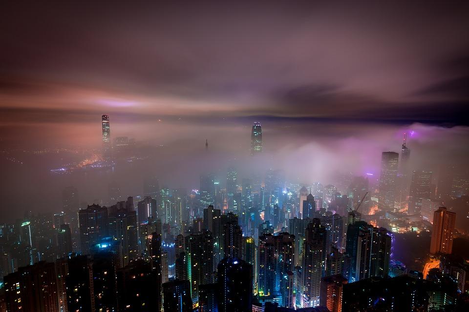 ville embrumée
